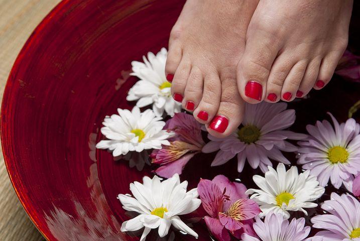 Gepflegt in den Sommer –  die besten Pediküre-Tipps für einen stilvollen Auftritt