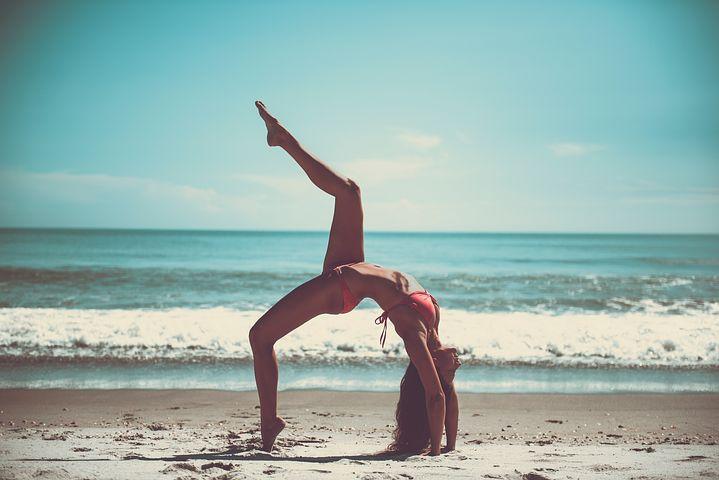 Fit in den Sommer starten: Die besten Tipps für straffe, gesunde Haut