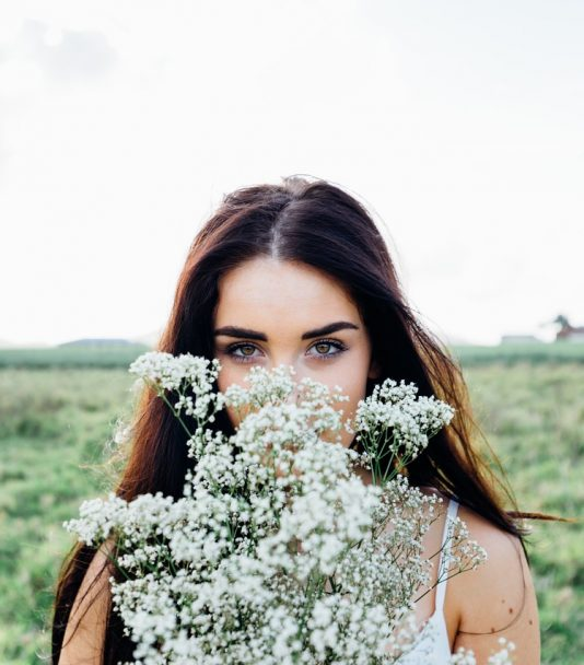 Beauty-Wunder Rizinusöl: Endlich breite, volle Augenbrauen