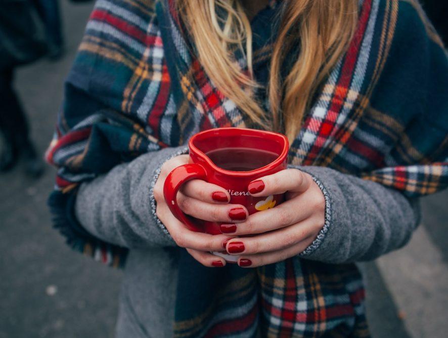 Was Puderzucker für Weihnachtsplätzchen ist, ist Nagelpuder für unsere Nägel – der neueste Beauty-Trend aus den USA und wie man ihn trägt