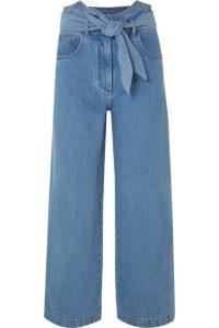 Paperbag-Jeans hellblaues Modell für den Frühling.