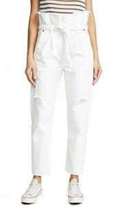 Paperbag-Jeans ein frisches Weiß.