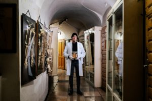 Der Wiener Narrenturm ist nichts für schwache Nerven: Sammlungsleiter Eduard Winter überzeugt in Spezialführungen mit profundem Wissen und außergewöhnlichen Hintergrundgeschichten.