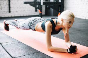 Die Plank-Pose, eine effektive Bauchübung