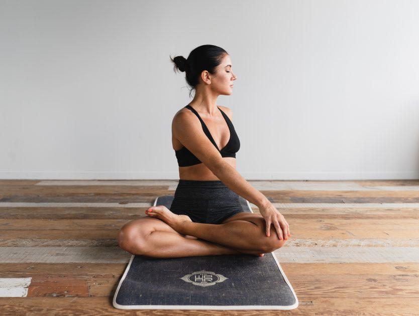 Yoga gegen Rückenschmerzen: 4 hilfreiche Übungen