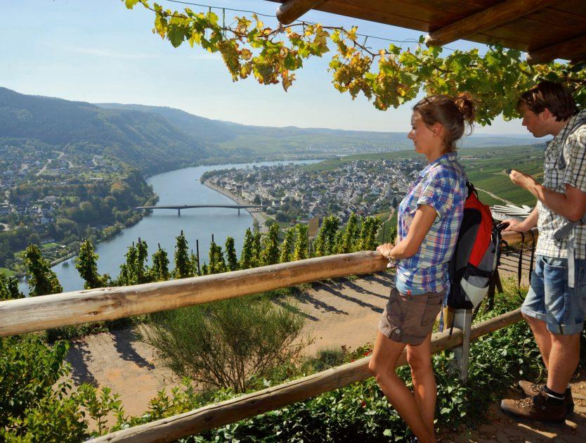 Wanderurlaub: Die Römische Weinstraße entlang der Mosel lädt zum aktiven Genießen ein